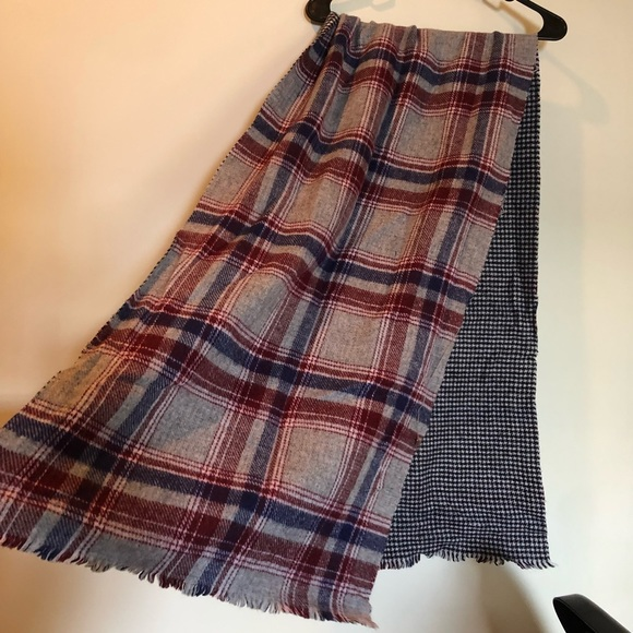 Accessories - Plaid and checkered scarf